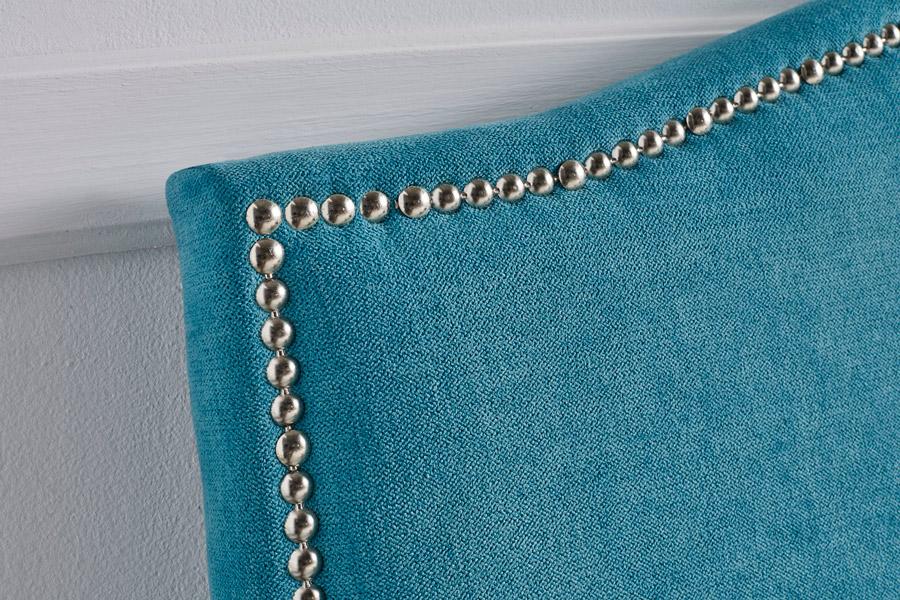 Cabecero tapizado tachuelas